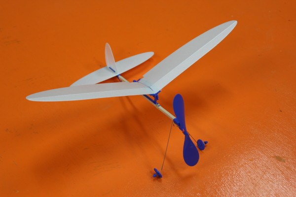 ダ・ヴィンチ工房 「模型飛行機」