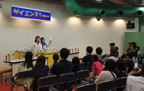 10/22(火・祝) スペシャルサイエンスショー「チャレンジTHEロケット」<申し込み不要>